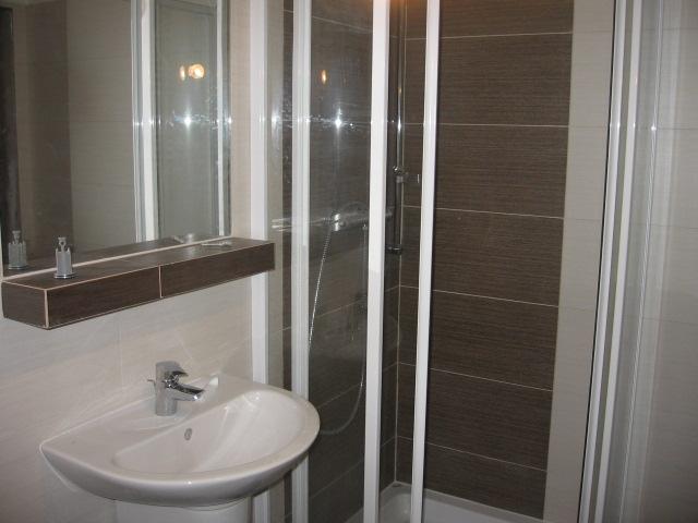 Kúpeľna - vizualizacia a realita - dolná kúpeľňa - realita