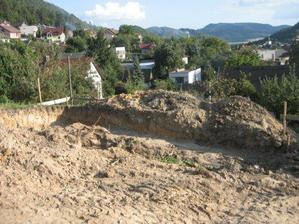 prve vykopove prace