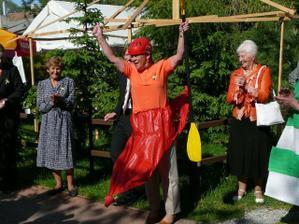 vítěz závodu...maminka nevěsty!