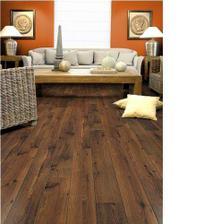 takové barvy budou v obýváku, jen ta oranžová bude sytější a podlaha možná o trochu světlejší
