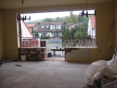 Jak se pracuje.. - náš letní byt v říjnu.. tak vypadalo okno v obýváku, 4.10.2008