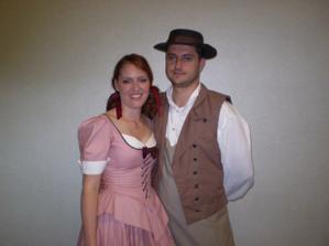 v pracovnom(kostymy z divadla,kde robime)