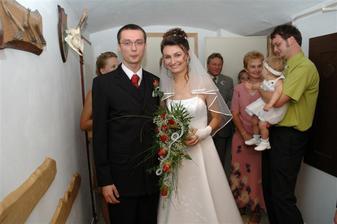 poprvé vedle sebe ve svatebním