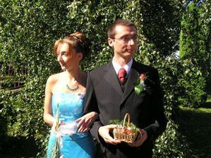 manžel se sestrou, svědkyní