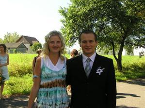 můj bratranec (svědek) s manželkou