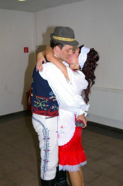 Terka Šišková-Sabolová{{_AND_}}Ľubo Guľaš - Hotovo, miláčik, vytancované na svadobnú cestu:)