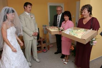 Předání dortů...