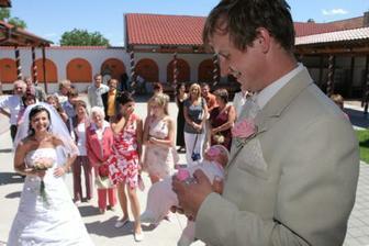 můj Ráďa s miminkem...