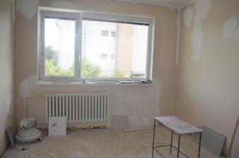 obyvacka........balkon zastaveny-zamurovany-
