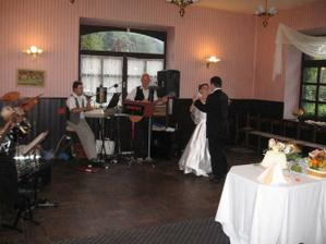 první novomanželský tanec:o