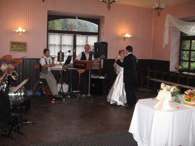 Marcela{{_AND_}}Robert - první novomanželský tanec:o