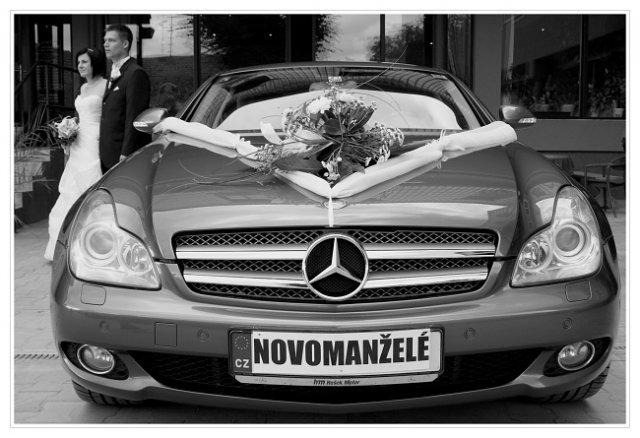 Petra{{_AND_}}Petr - Svatební auto