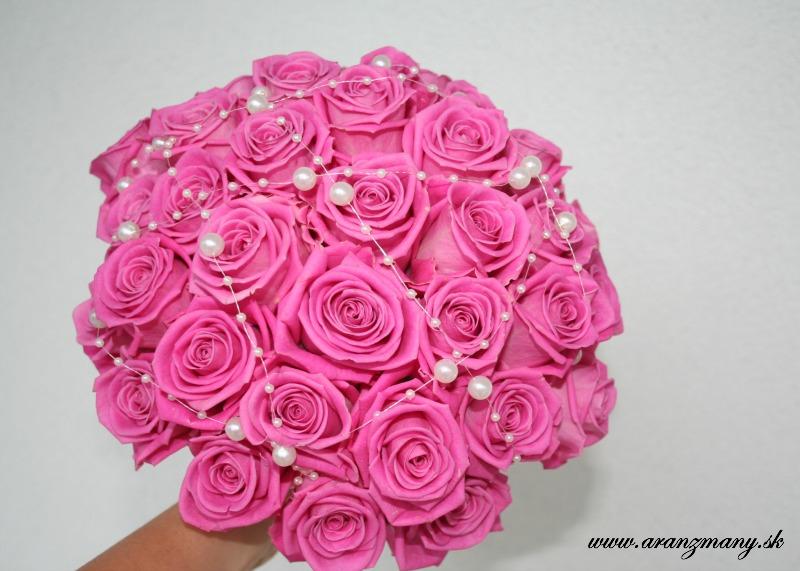 Gabriela Turanská - aranžmány - romantická kytica z ruží