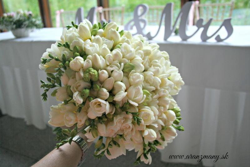 Gabriela Turanská - aranžmány - svadobná kytica z frezii