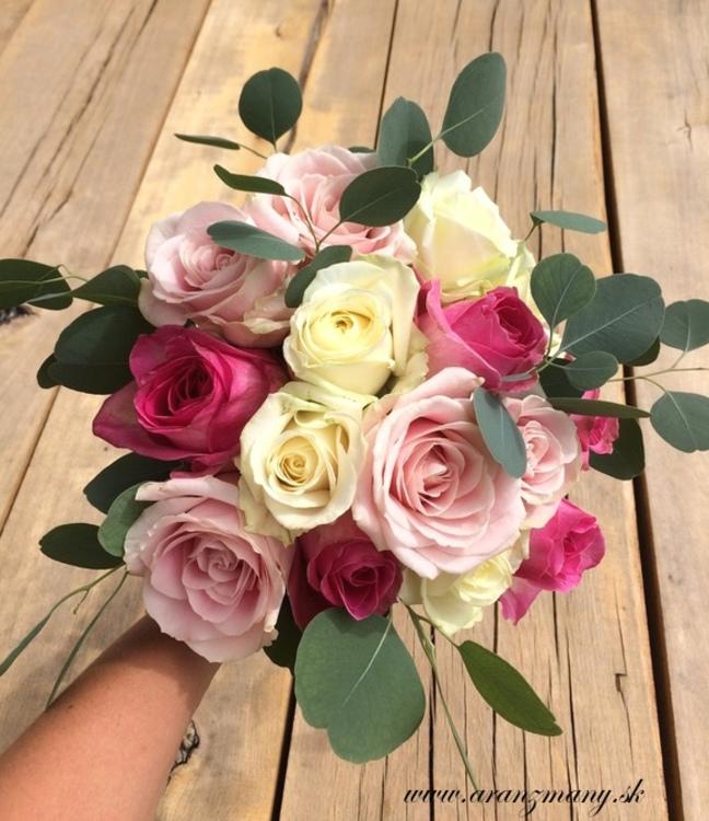 Gabriela Turanská - aranžmány - svadobna kytica pastelove ruze