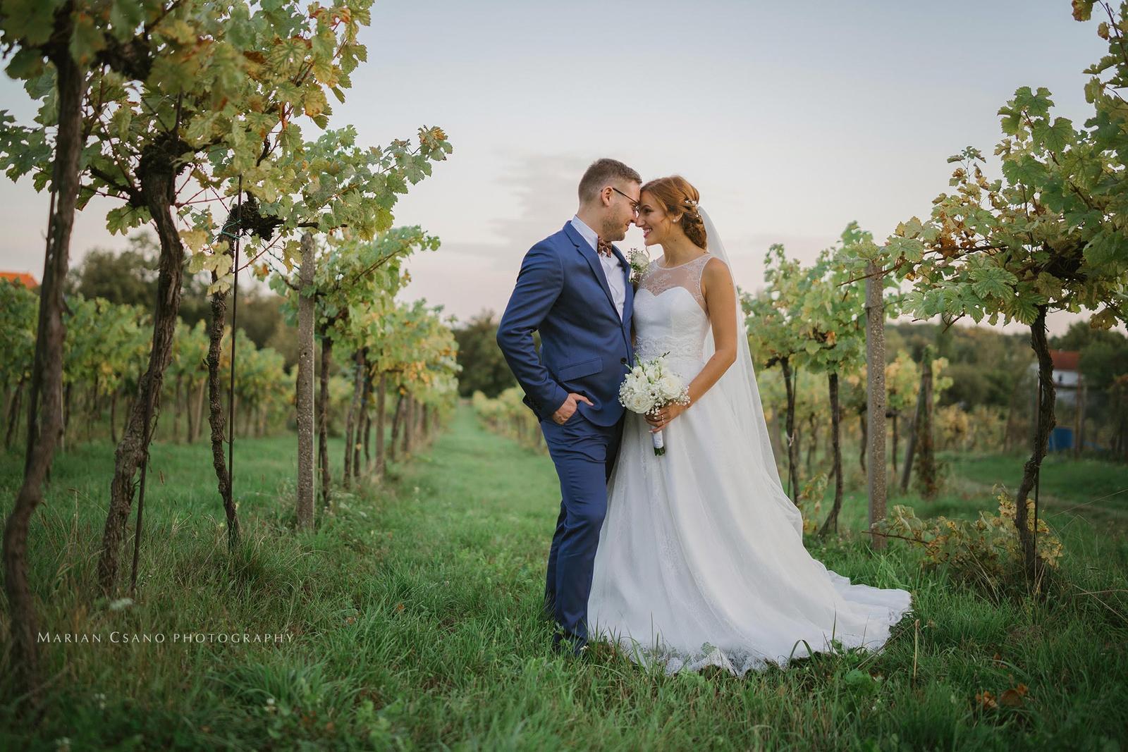 Gabriela Turanská - aranžmány - svadba vo vinici