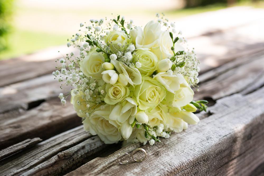 Gabriela Turanská - aranžmány - Biela svadobná kytica