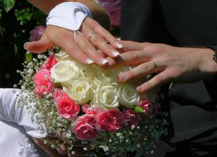 Moje svatební kytka a naše prstýnky