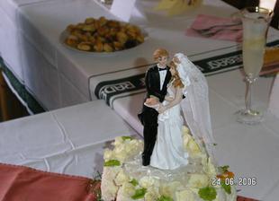 Figurky na svatebním dortu.Nejsme krásní?