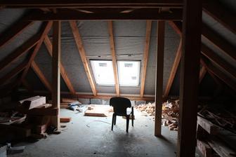 Pokojíček (ještě chybí jedno okno)