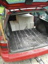 Není nad to mít pořádné pracovní auto :-) Škoda, že jsem nestihla vyfotit plný náklad :-(