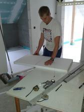 Manželova výroba-řezačka na polystyren