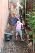 Malý pomocník velkého stavitele aneb kopeme odpad