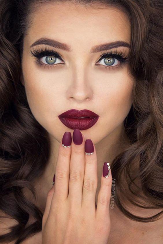 Svadobne ucesy a makeup - Obrázok č. 82