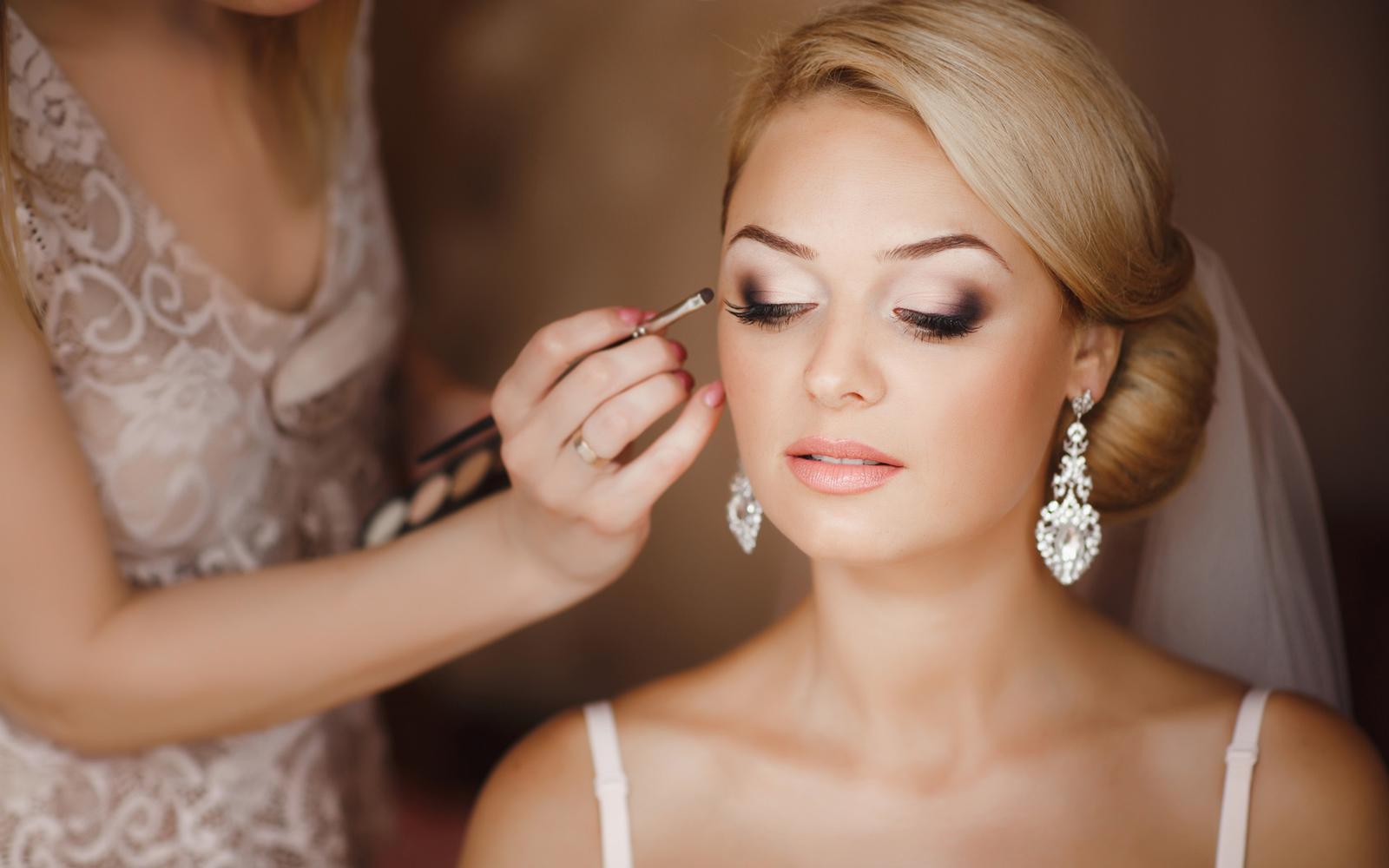 Svadobne ucesy a makeup - Obrázok č. 89