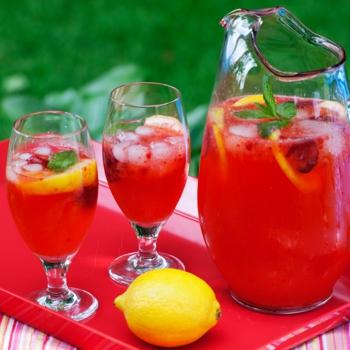 Domace limonady do Candy Baru - Jahodova limonada