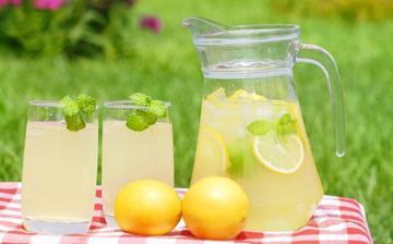 Chutná osviežujúca limonáda na leto