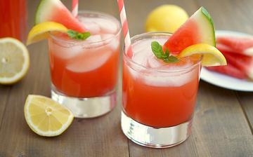 Svieža melónová limonáda