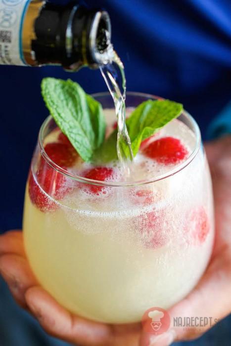 Domace limonady do Candy Baru - Malinovo-limoncello Prosecco