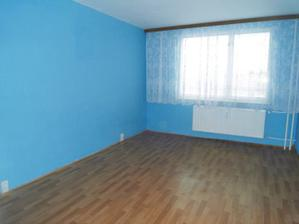 spalna, nepochopim ako mohli spat v takej chladno modrej izbe.