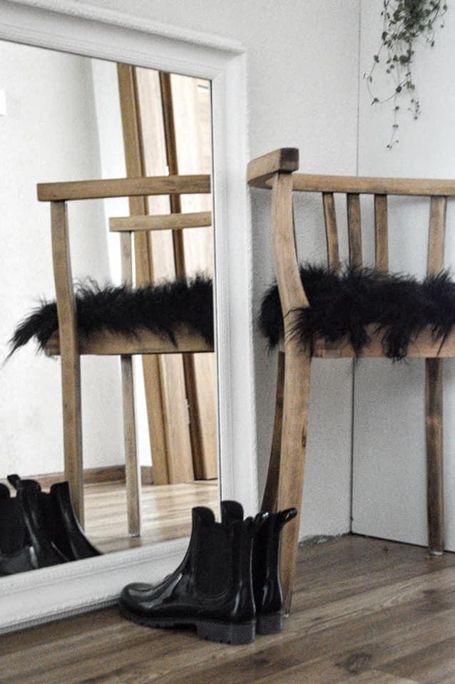 🖤 keď drobnosti robia radosť 🖤 - stolička je zachránená od smetiaka, len ešte stále nie je dokončená, ešte ju musím poriadne vybrúsiť