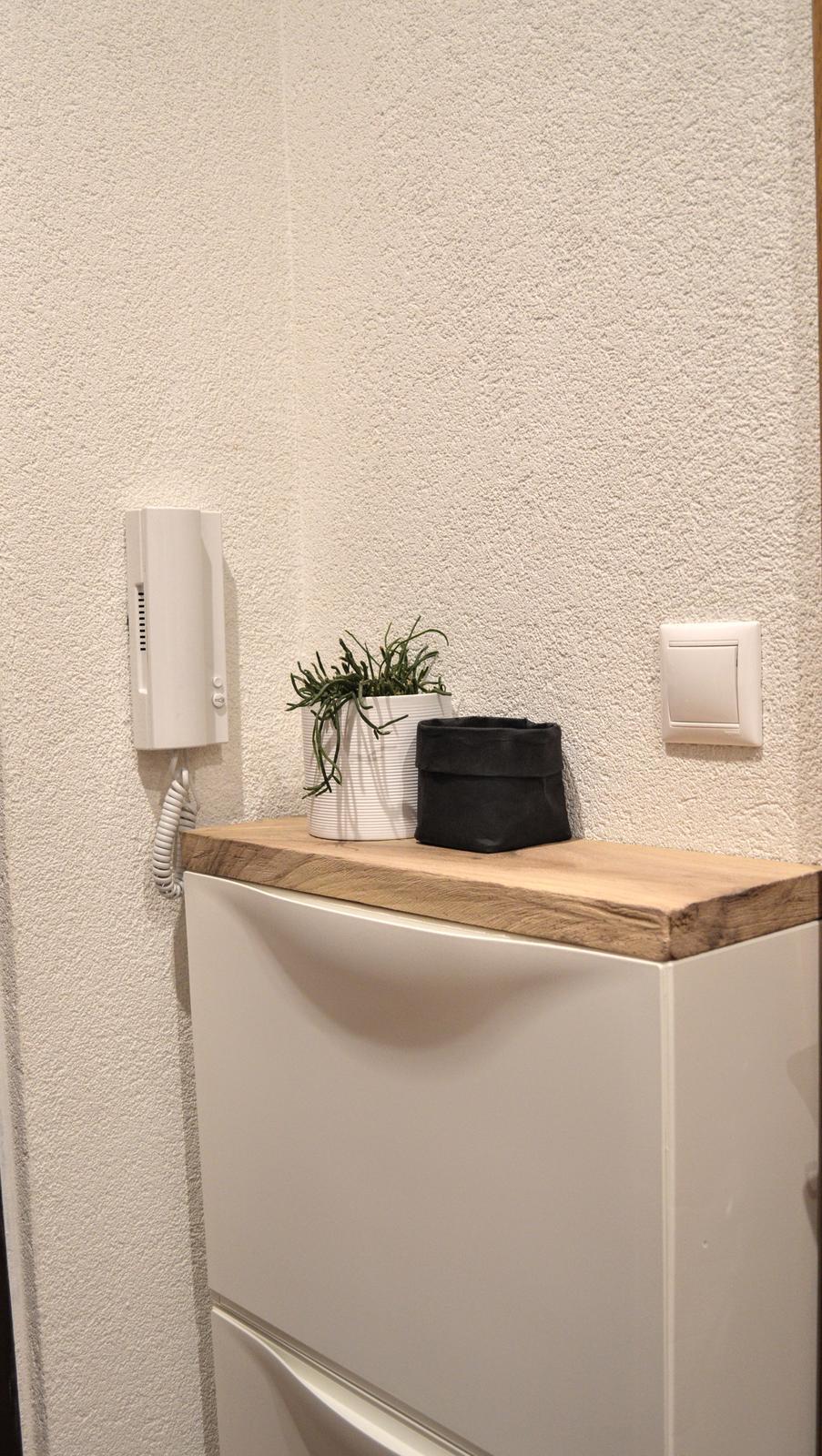 🖤 keď drobnosti robia radosť 🖤 - pre mňa neokukateľná kombinácia biela + drevo(masív)