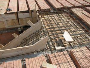 2008.04.14 kotvenie schodiska