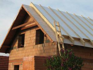 2008.05.17_Polozena tepelna izolacia - bez tepelnych mostov na korkvach