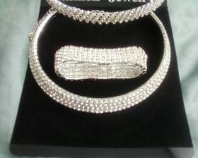 náramok,náhrdelník a čelenka