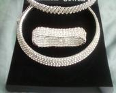 náhrdelník s náramkom,