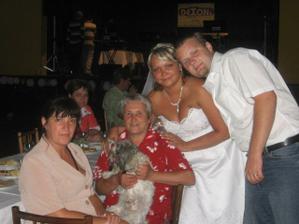 S mojí mamčou a babičkou a s naším Dennýskem...