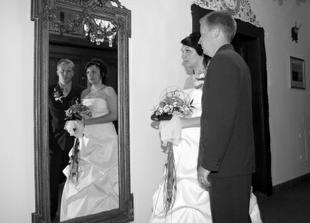 ... jedna zrcadlová...