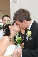 A tohle už je prví manželský polibek
