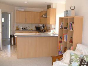 open plan kuchyna s obyvackou