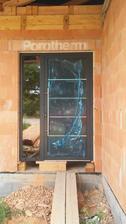 nase dvere 😃😃 este pockat na vymenu skla a uz budu ako maju byt 😃