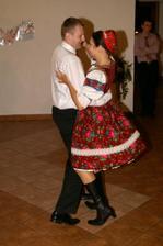 už še Pán Boh raduje, bo mladý s ňu tancuje
