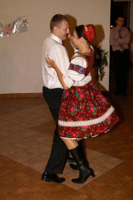 Mirka{{_AND_}}Ivko - už še Pán Boh raduje, bo mladý s ňu tancuje