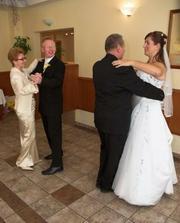 spoločné tančeky so ženíchovými rodičmi