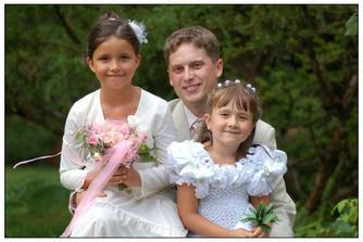 Že by si ženich vybral mladší.....?:)