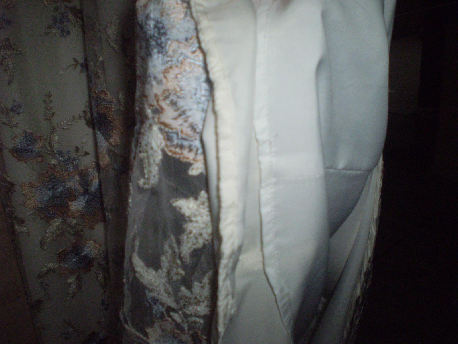Spoločenské šaty krajkové - Obrázok č. 4